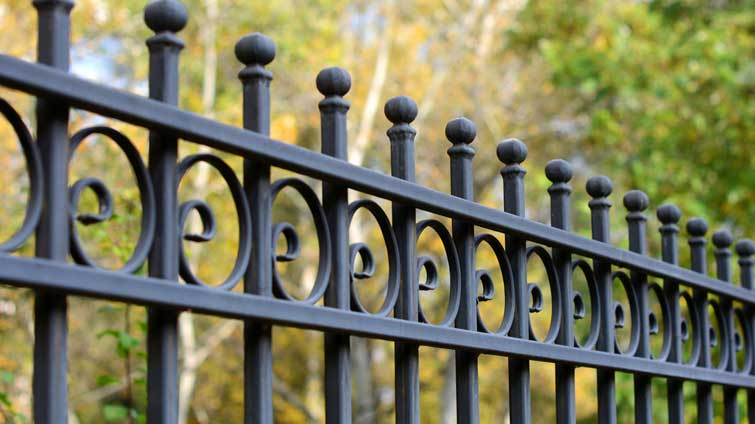 How To Select Perfect Fencing For Your Home